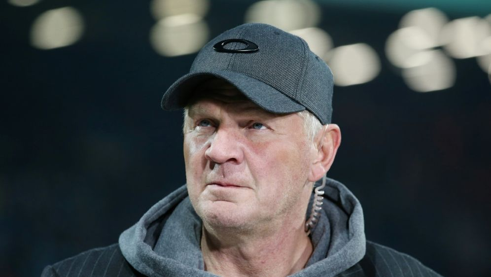 Stefan Effenberg verteidigt BVB-Trainer Favre - Bildquelle: FIRO SportphotoFIRO SportphotoSID