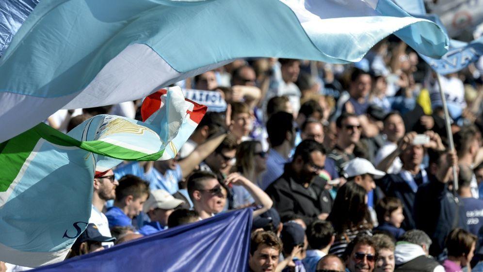 Mailand: Lazio-Ultras sorgen für Eklat - Bildquelle: AFPSIDANDREAS SOLARO