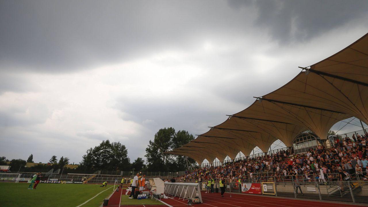 VfL Oldenburg – Fortuna Düsseldorf - Bildquelle: imago images/Werner Scholz