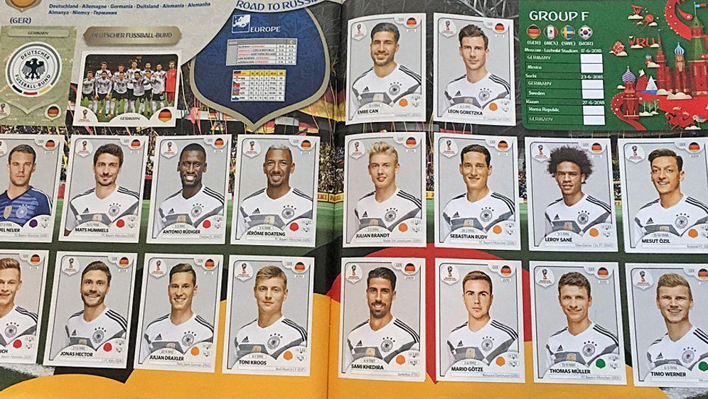 Die deutsche Nationalmannschaft im Panini-Album der WM 2018 in Russland. - Bildquelle: ran / Panini