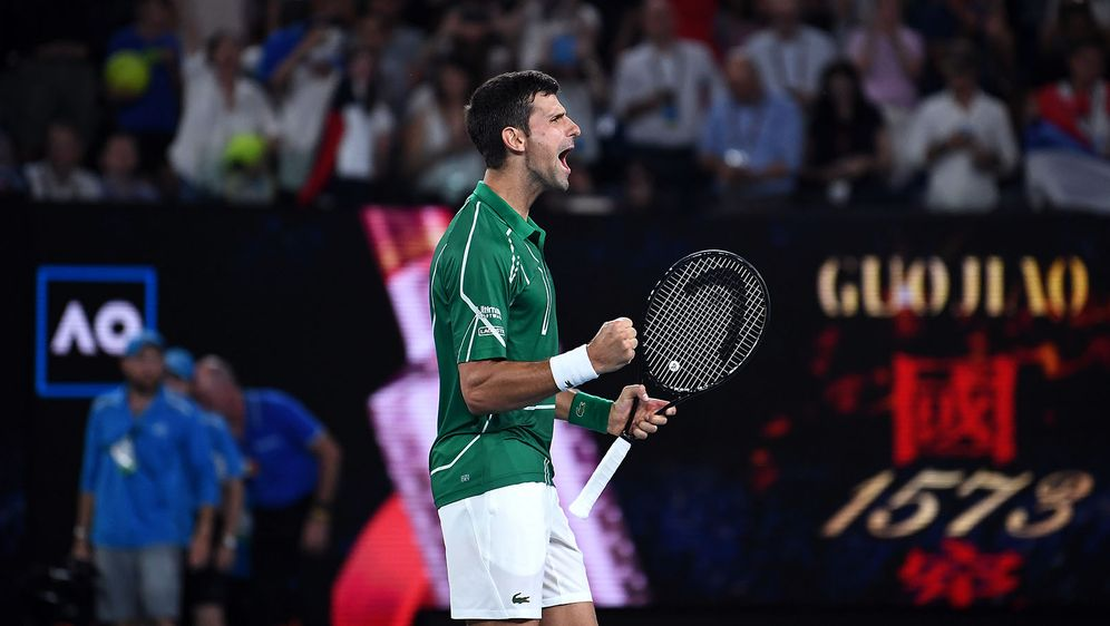 Novak Djokovic steht nach seinem Erfolg gegen Roger Federer im Finale der Au... - Bildquelle: 2020 Getty Images