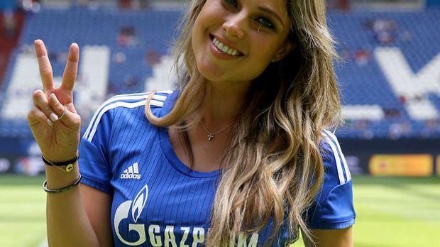 Vanessa Huppenkothen beim Schalke Cup