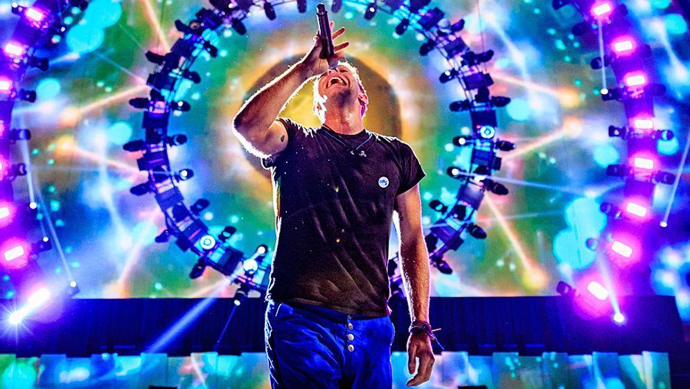 Die britische Band Coldplay wird in der Halbzeit des Super Bowl 50 auftreten - Bildquelle: 2015 Getty Images