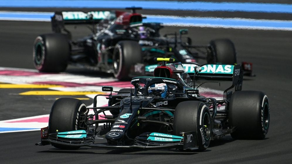 Mercedes führt das Klassement in Frankreich an - Bildquelle: AFPSIDCHRISTOPHE SIMON