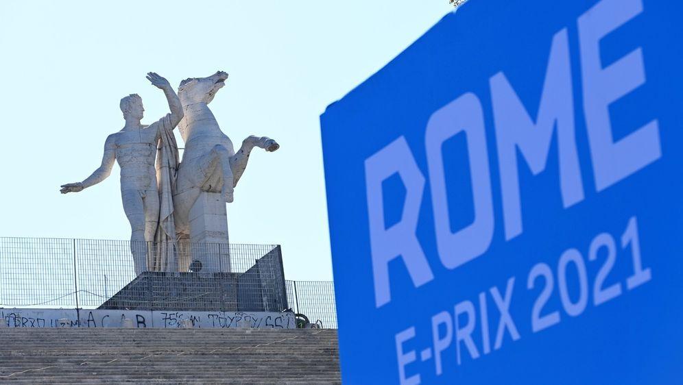 Mit dem E-Prix in Rom kehrt die Formel E ins Stadtzentrum zurück. - Bildquelle: Motorsport Images