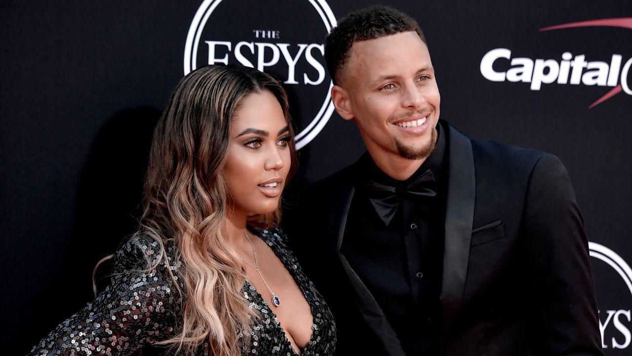 Curry: Tochter stiehlt ihm die Show  - Bildquelle: 2017 Getty Images