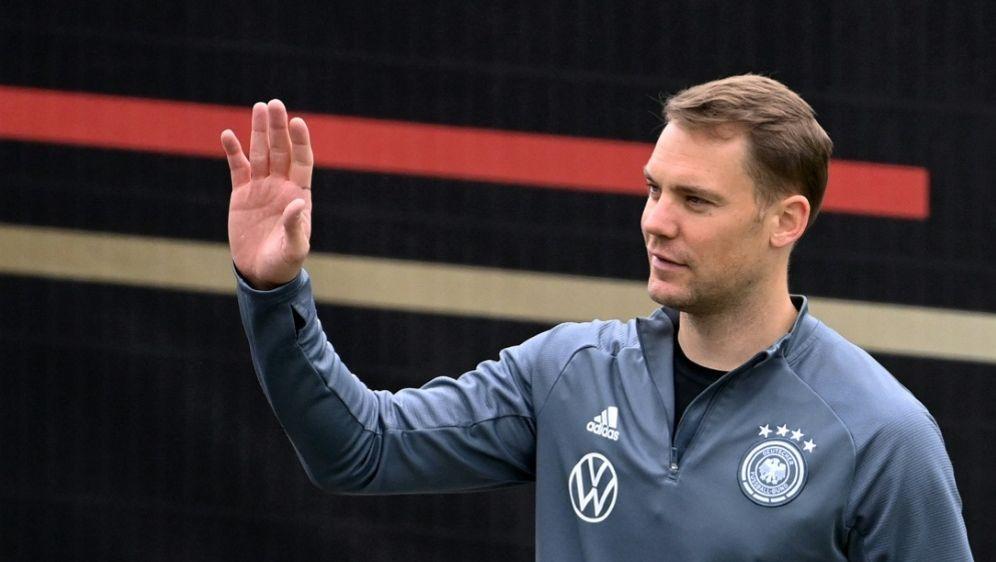 Auch Manuel Neuer wünscht der U21 viel Glück - Bildquelle: AFPSIDCHRISTOF STACHE