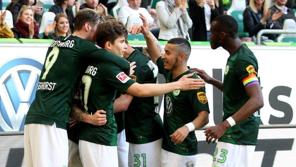 Wolfsburg gewinnt das Niedersachsen-Derby gegen Hannover - Bildquelle: FIROFIROSID