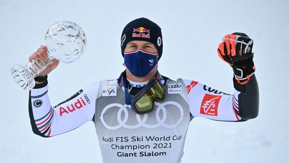 Alexis Pinturault sichert sich beide Kristallkugeln - Bildquelle: AFPSIDFABRICE COFFRINI