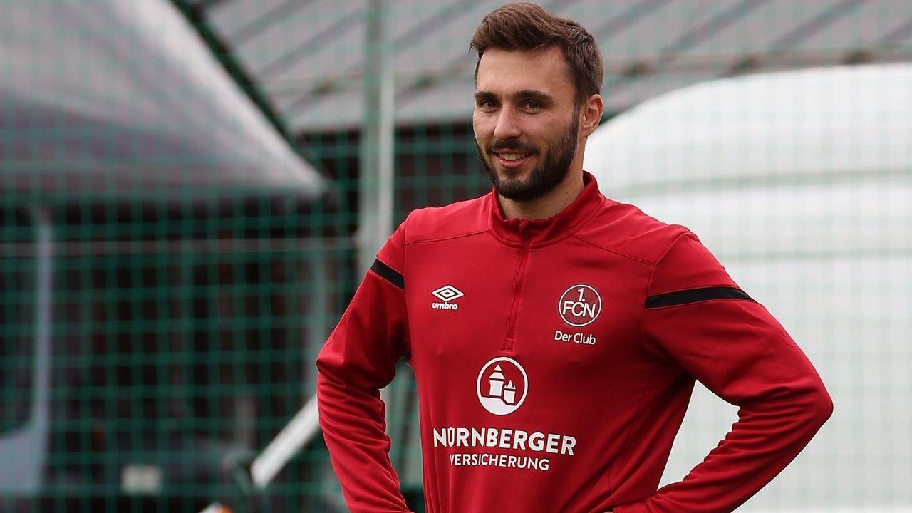 Angriff - Fabian Schleusener (1. FC Nürnberg) - Bildquelle: imago images / Zink