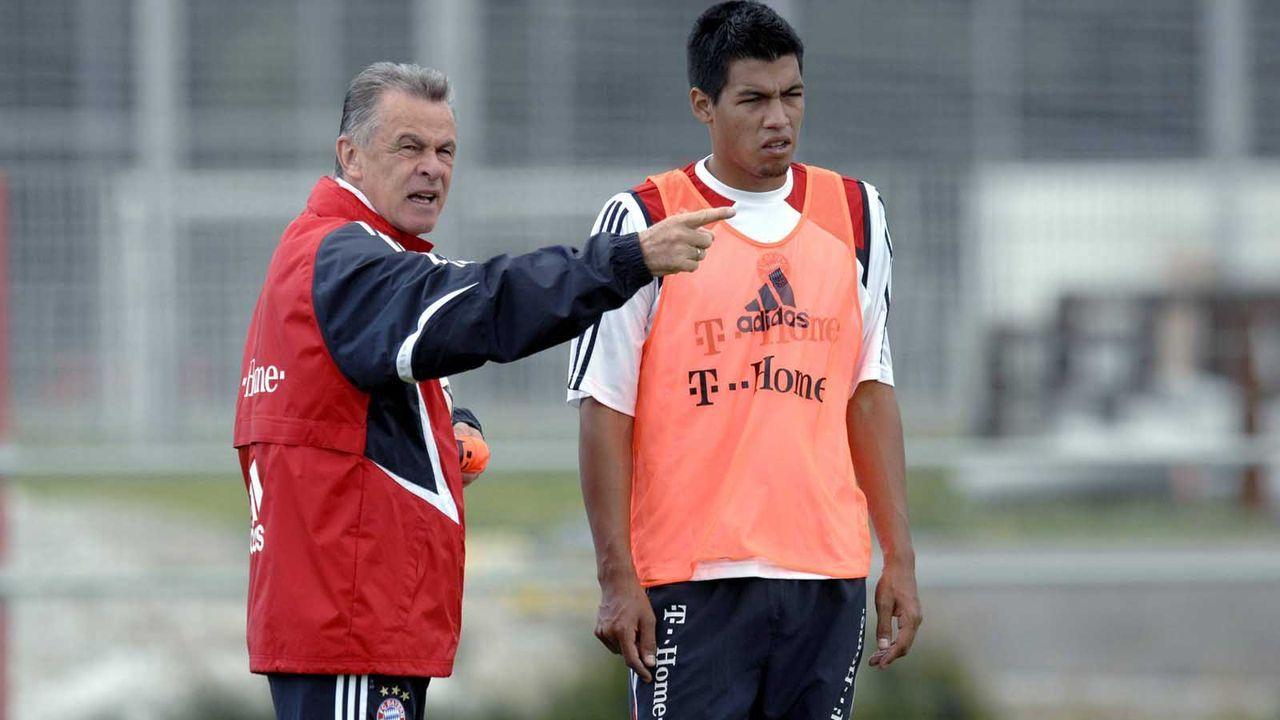 Rechtes Mittelfeld: Julio dos Santos - Bildquelle: imago