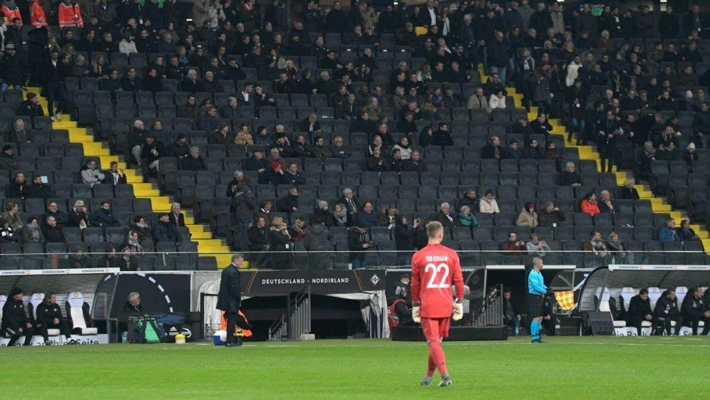 Der DFB will wieder mehr Zuschauer ins Stadion locken - Bildquelle: PIXATHLONPIXATHLONSID