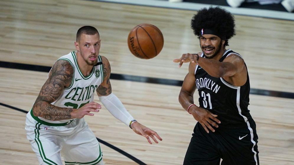 Theis (l.) und die Celtics gewinnen gegen Brooklyn - Bildquelle: GETTY AFPSIDPOOL