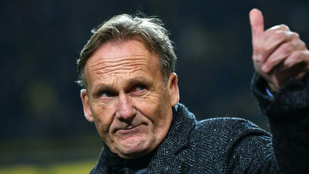 Laut Hans-Joachim Watzke nähern sich der BVB und RB an - Bildquelle: AFPSIDPATRIK STOLLARZ