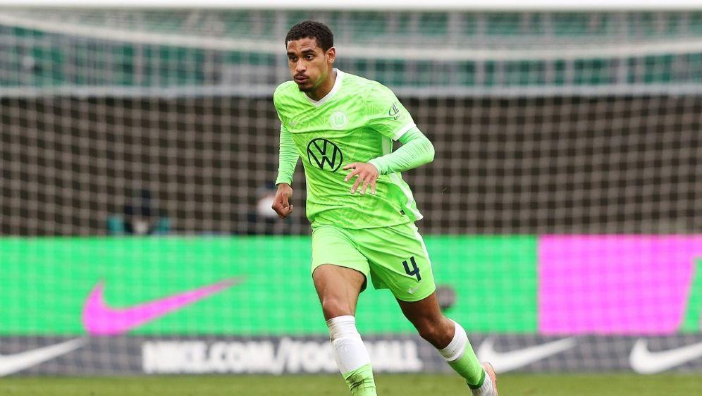 Maxence Lacroix bleibt vorerst in Wolfsburg - Bildquelle: FIROFIROSID