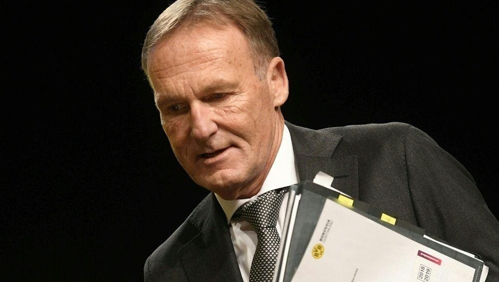 Watzke vetraut weiter auf Lucien Favre als Trainer - Bildquelle: AFPSIDINA FASSBENDER