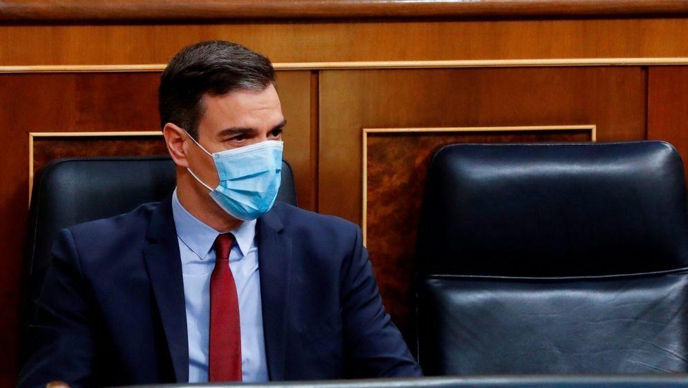 Sanchez kann sich Restart am 8. Juni vorstellen - Bildquelle: AFPSIDANDRES BALLESTEROS