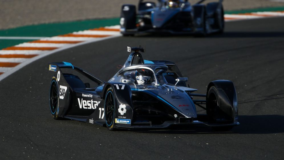Mercedes-Teamchef Ian James glaubt, dass in Zukunft der Austausch zwischen F... - Bildquelle: Motorsport Images