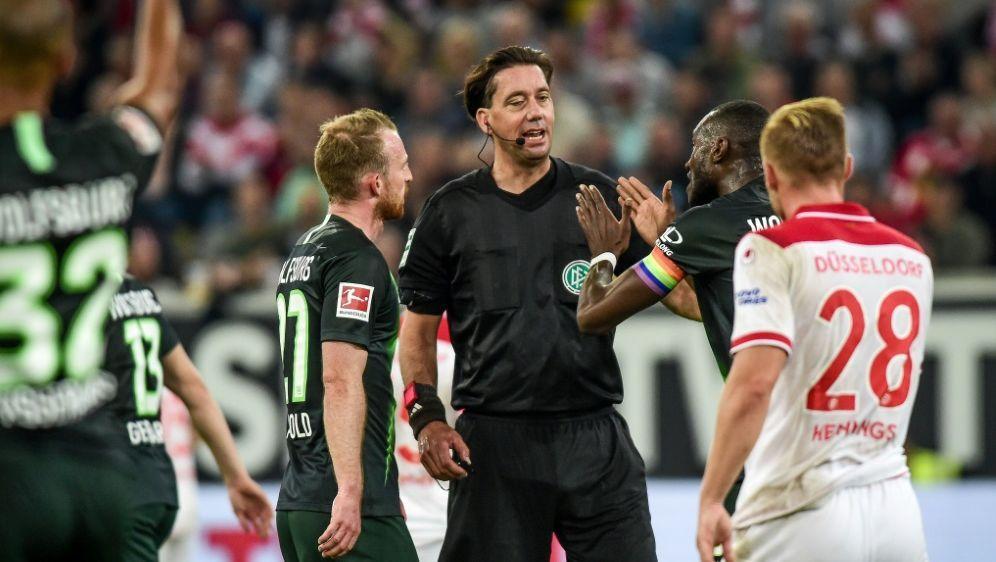 Schiedsrichter Manuel Gräfe musste sich einiges anhören - Bildquelle: pixathlonpixathlonSIDNeil Baynes