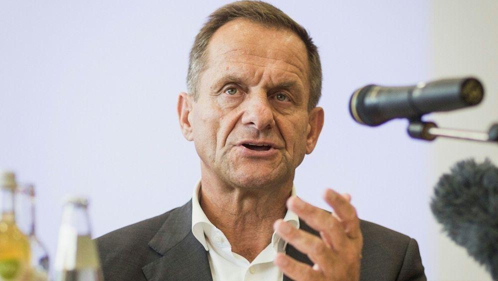 DOSB-Präsident Hörmann kritisiert einige Zweitligisten - Bildquelle: PIXATHLONPIXATHLONSID
