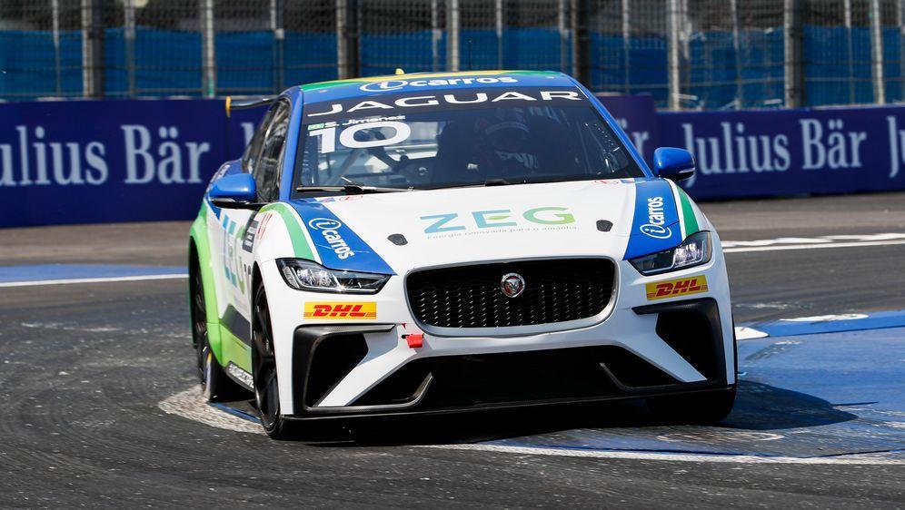 Sérgio Jimenez holt sich den Gesamtsieg bei der Jaguar I-PACE eTrophy - Bildquelle: Motorsport ImagesTel: +44(0)20 8267 3000email: info@motorsportimages.com
