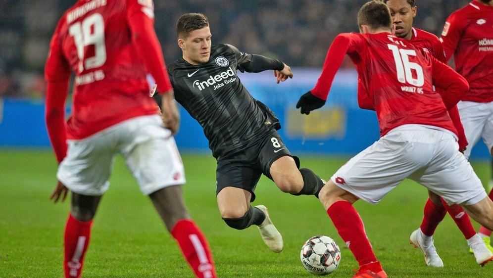 Das Bundesliga-Spiel zwischen Eintracht Frankfurt und Mainz 05 vom 33. Spiel... - Bildquelle: Getty