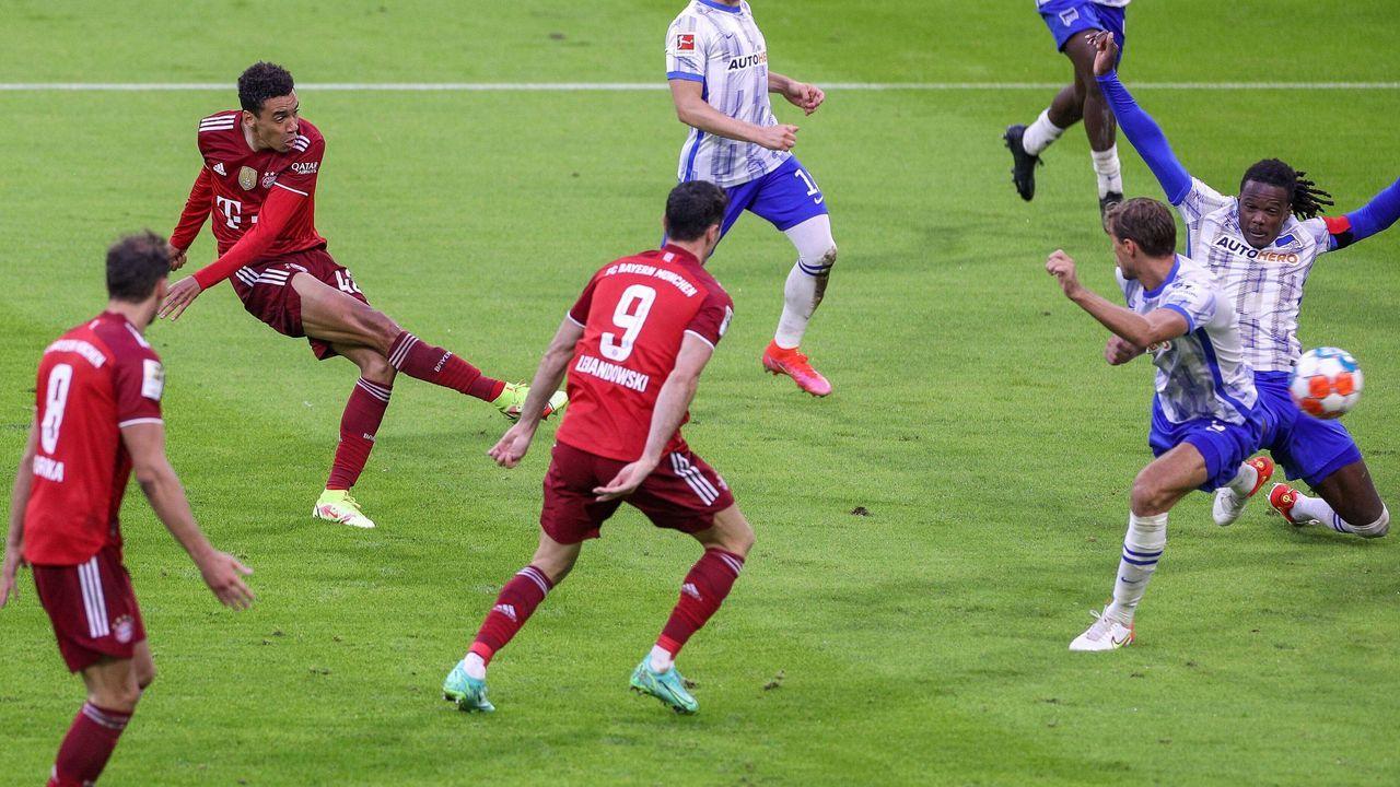 Spielfreudig, zweikampfstark und torgefährlich - Jamal Musiala gegen Hertha BSC - Bildquelle: imago images/kolbert-press