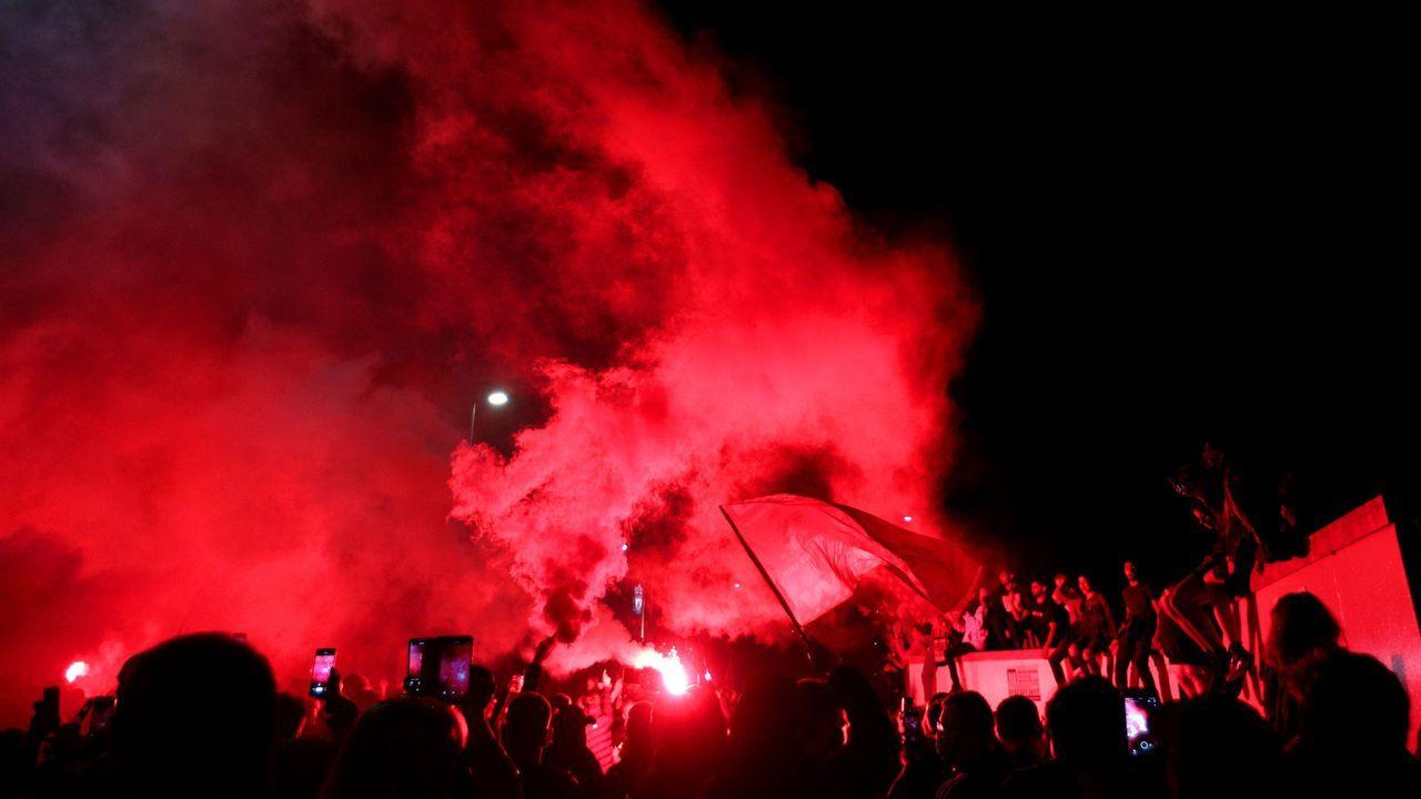 Die Farbe Rot dominiert in Liverpool - Bildquelle: Getty Images