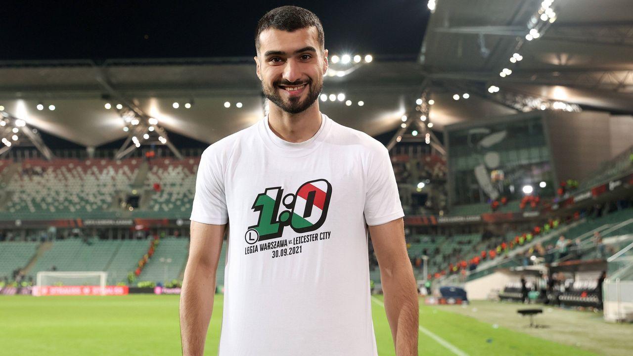 Legia Warschau bedruckt T-Shirts in Rekordzeit - Bildquelle: imago images/Newspix