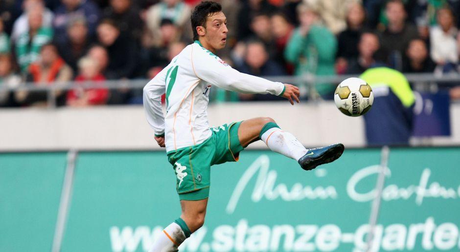 2008 - Mesut Özil zu Werder Bremen (5 Mio.) - Bildquelle: 2008 Getty Images