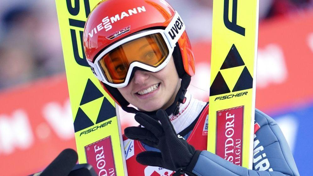 Wünscht sich Skifliegen für Frauen: Katharina Althaus - Bildquelle: AFPAPASIDGEORG HOCHMUTH