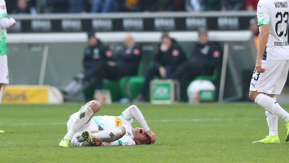 Laszlo Benes verletzte sich beim Spiel gegen Bremen - Bildquelle: FIROFIROSID