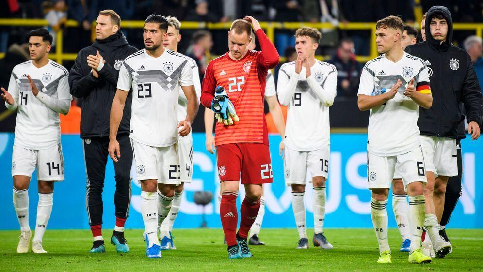 Die flache Hierarchie beflügelt die Nationalmannschaft. - Bildquelle: imago images / Jan Huebner