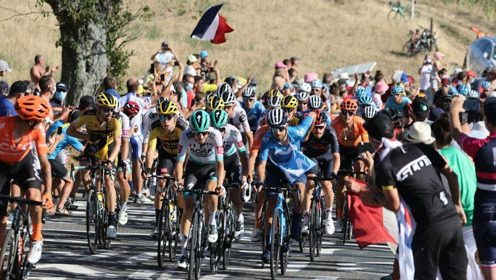 Auf die Radprofis wartet die härteste Etappe der Tour - Bildquelle: AFPSIDKENZO TRIBOUILLARD