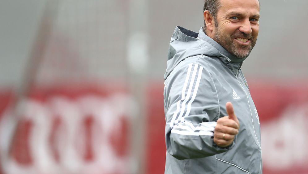 Hansi Flick bestreitet gegen Olympiakos Piräus sein erstes Spiel als Bayern-... - Bildquelle: 2019 Getty Images