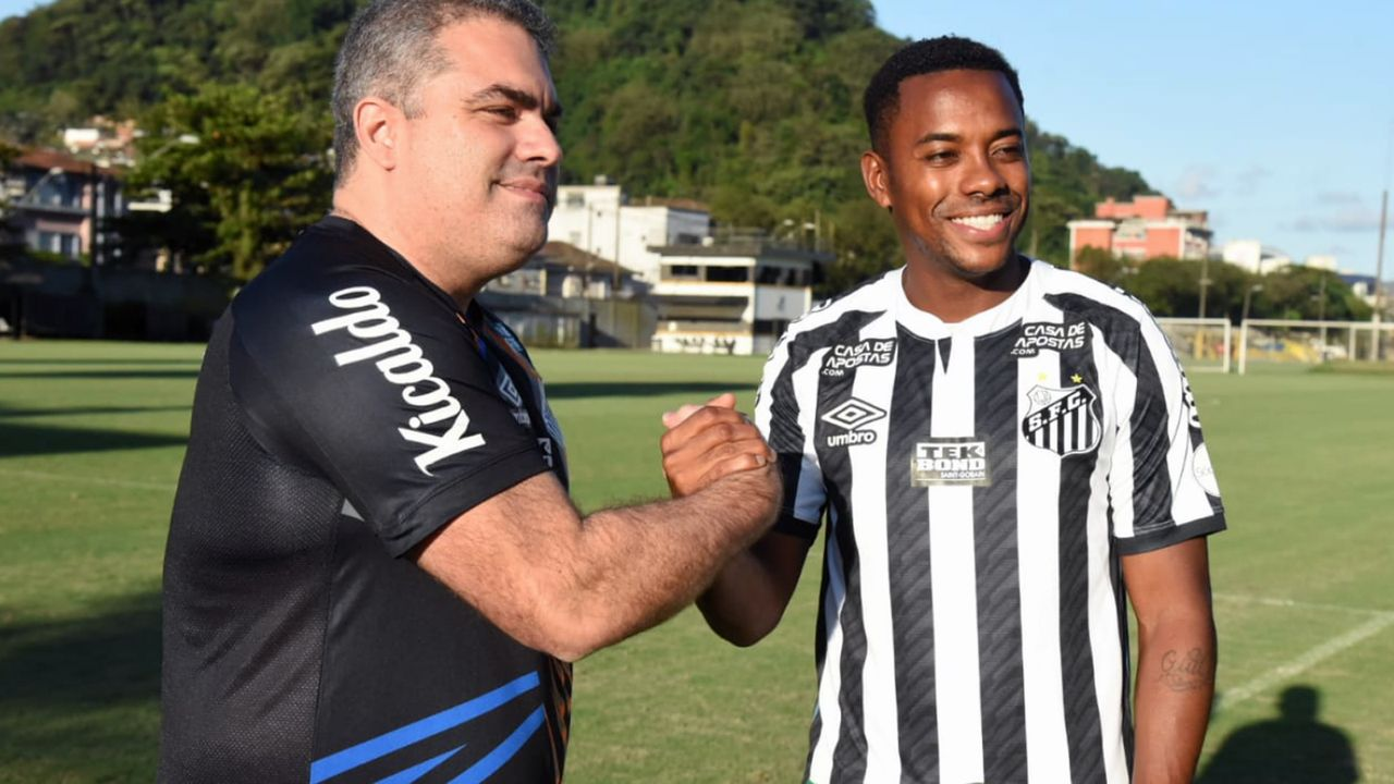 Ex-Weltstar Robinho soll nach Santos-Rückkehr nur noch 230 Euro verdienen - Bildquelle: twitter@SantosFC