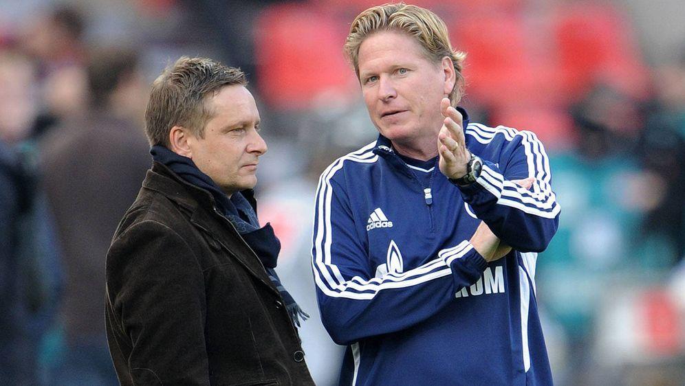 Kennen sich aus Schalker Zeiten: Horst Heldt (r.) und Markus Gisdol - Bildquelle: imago sportfotodienst
