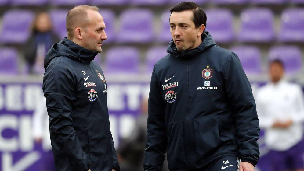 Aue trennt sich von Trainer Daniel Meyer (rechts). - Bildquelle: imago