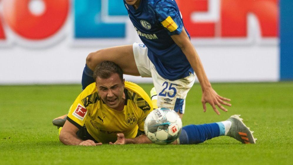 Verletzung von Mario Götze beim Derby auf Schalke - Bildquelle: dpadpaAFPBernd Thissen
