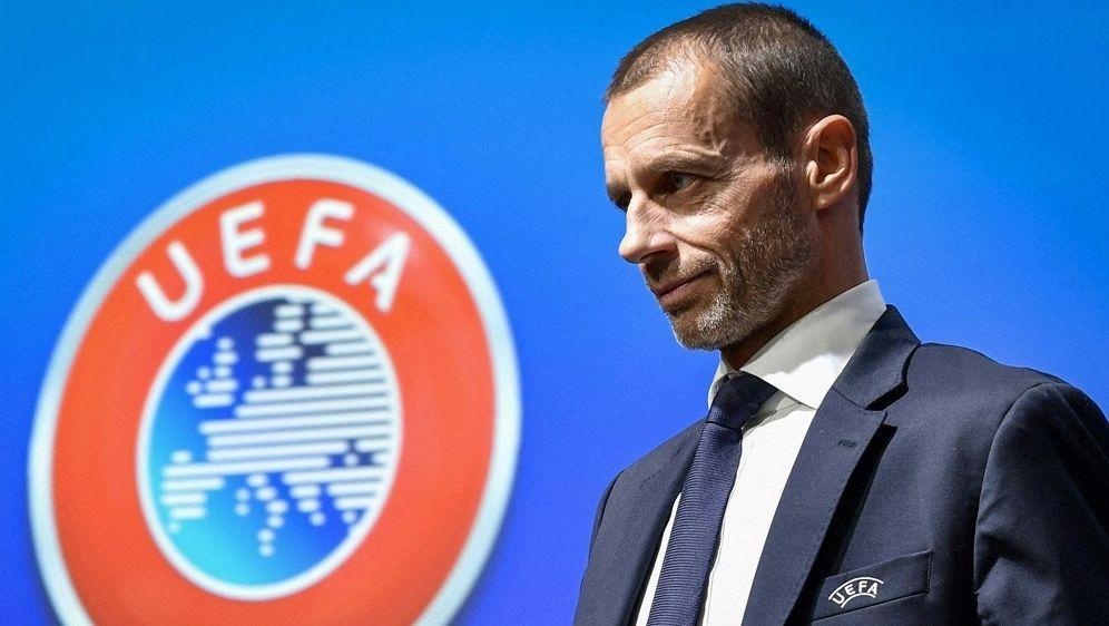 UEFA prüft Ausschluss der Abtrünnigen Vereine - Bildquelle: AFPSIDFABRICE COFFRINI