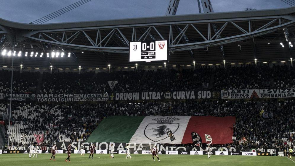 Zwölf Hooliganchefs von Juventus wurden festgenommen - Bildquelle: AFPSIDMARCO BERTORELLO