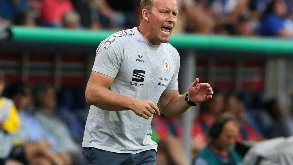 Sieg für Braunschweig und Trainer Henrik Pedersen - Bildquelle: PIXATHLONPIXATHLONSID