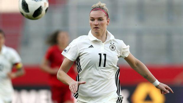 Popp führt DFB-Frauen gegen Österreich als Kapitänin an