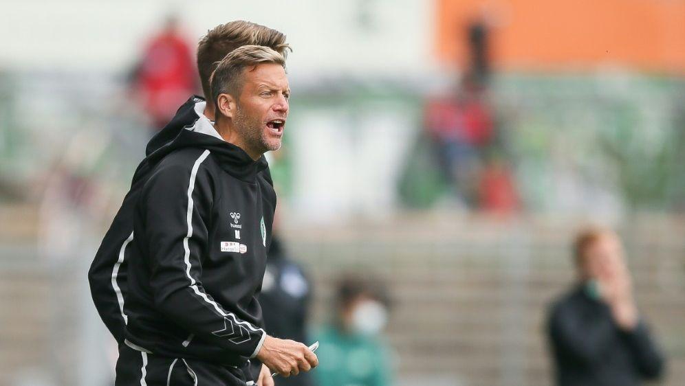 Trainer Rolf Landerl holte den ersten Sieg mit Lübeck - Bildquelle: FIROFIROSID