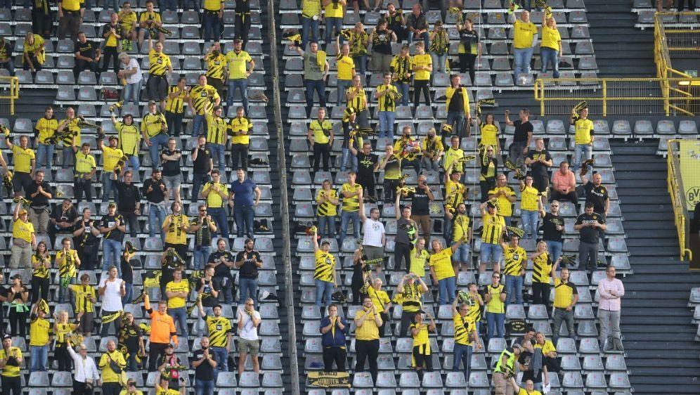 Weitere Fans dürfen in den Signal Iduna Park - Bildquelle: FIROFIROSID