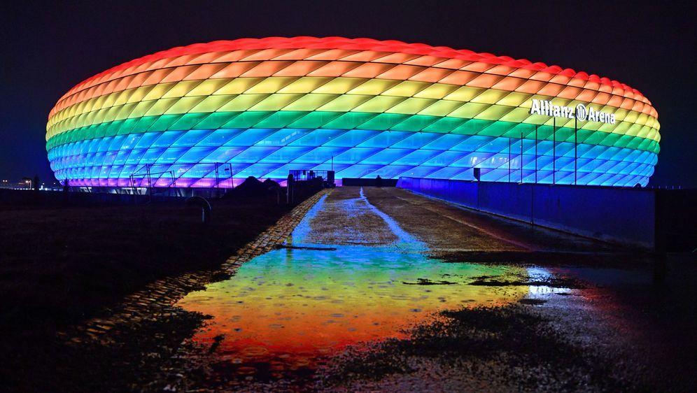 Ein Stadion mit Botschaft: Die Allianz Arena soll am Abend des EM-Spiels der... - Bildquelle: imago