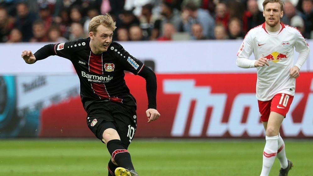 Transfergerüchte um Leverkusens Julian Brandt (l.) - Bildquelle: AFPSIDHASAN BRATIC