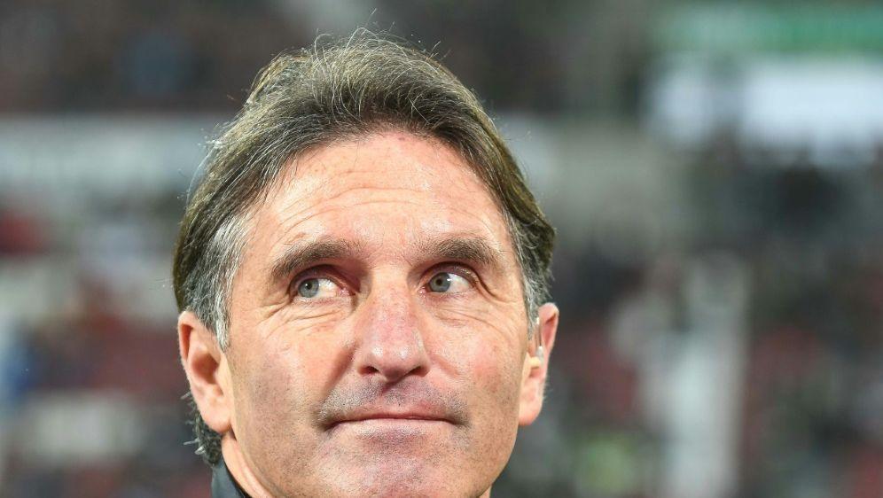 Bruno Labbadia erteilt dem 1. FC Köln eine Absage - Bildquelle: PIXATHLONPIXATHLONSID