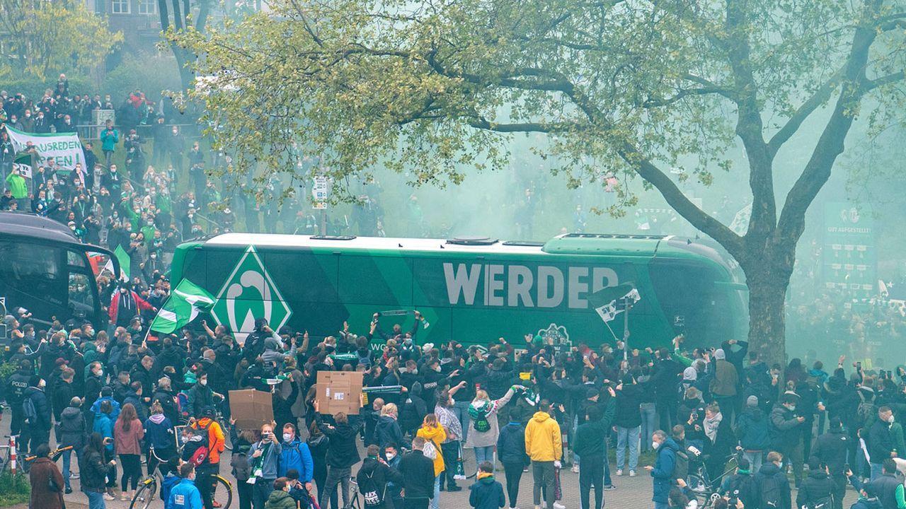 Green-White Wonderwall: Bremens Fans bleiben treu - Bildquelle: imago images/ULMER Pressebildagentur