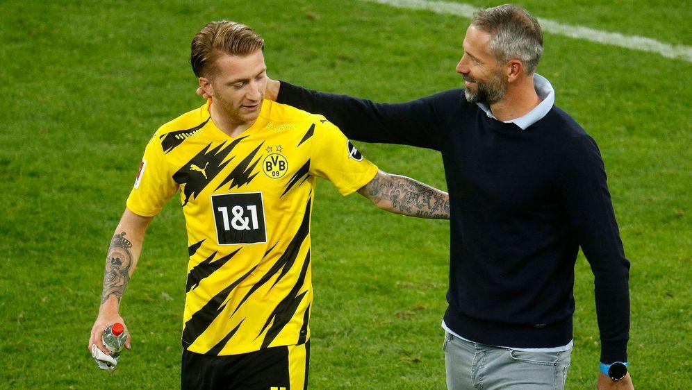 Gladbach-Trainer Marco Rose (re.) wird Borussia Dortmund im Sommer 2021 über... - Bildquelle: imago images/Norbert Schmidt